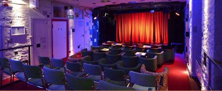 Travestie und mehr im O-TonArt Theater Berlin