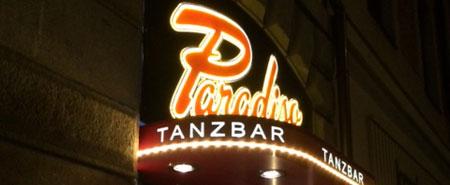 Burlesque in Freddies Tanzbar Paradiso in München