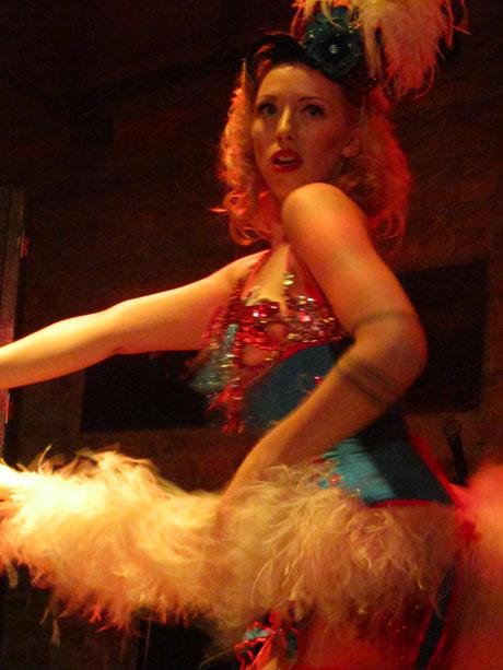 blog-pinkyspeepshow-lady-lou