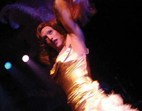 blog-exposed-burlesque-02
