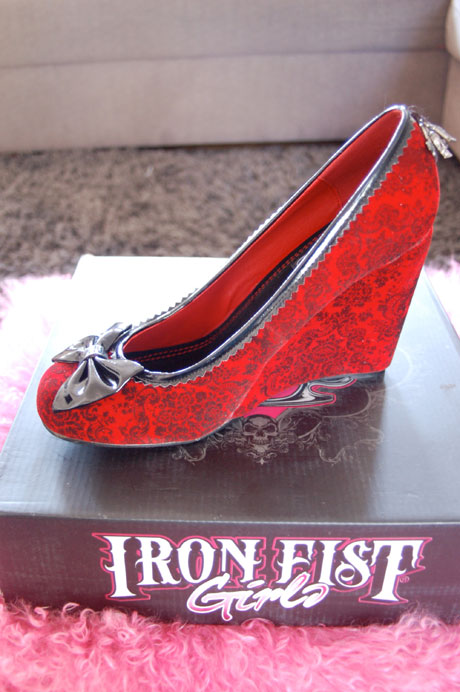 blog-iron-fist-high-heels02